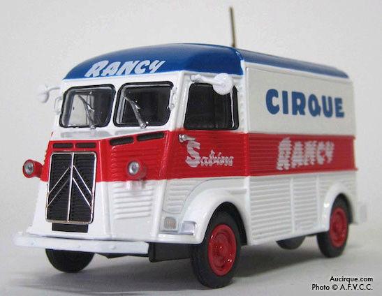 Citroën Les utilitaires miniatures au Cirque Captur25