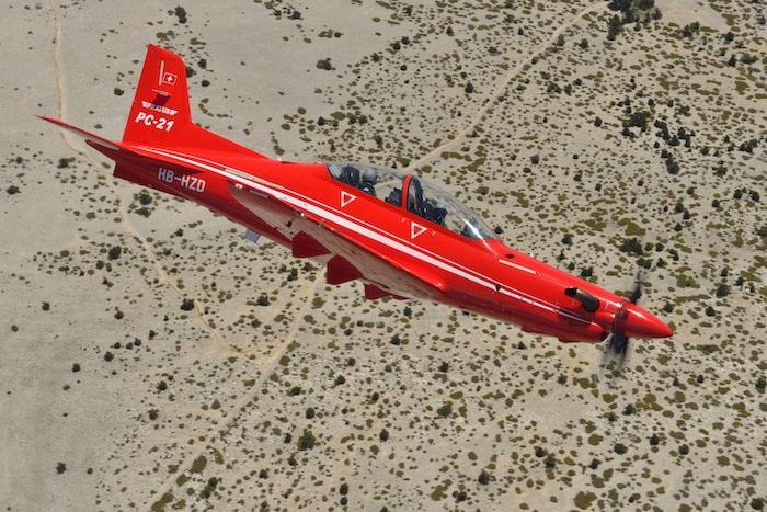 Un petit suisse remplace l'Alphajet Pc21-s10