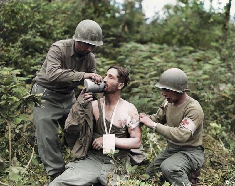 Les Images de la Seconde Guerre Mondiale - Page 17 13612310