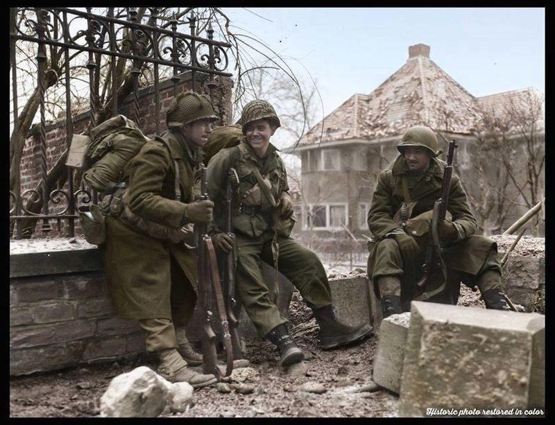 Les Images de la Seconde Guerre Mondiale - Page 17 14900510