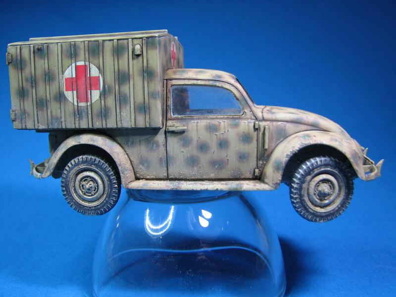 Coccinelle ambulance CMK  , figurines et photodécoupe  - 1/35 - Page 2 Img_5010