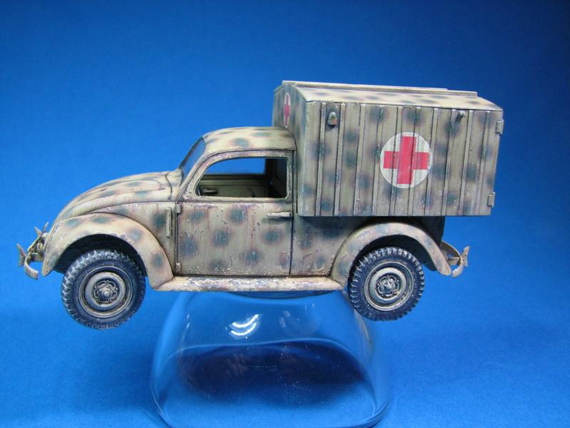 Coccinelle ambulance CMK  , figurines et photodécoupe  - 1/35 - Page 2 Img_5016