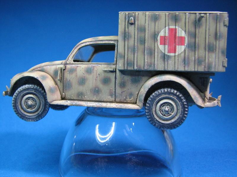 Coccinelle ambulance CMK  , figurines et photodécoupe  - 1/35 - Page 2 Img_5017