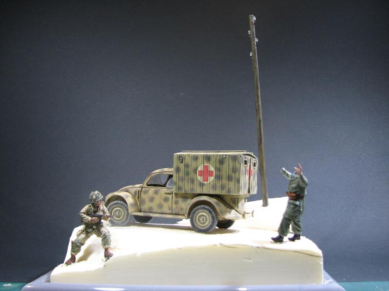 Coccinelle ambulance CMK  , figurines et photodécoupe  - 1/35 - Page 2 Img_5141