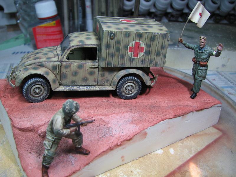 Coccinelle ambulance CMK  , figurines et photodécoupe  - 1/35 - Page 2 Img_5145