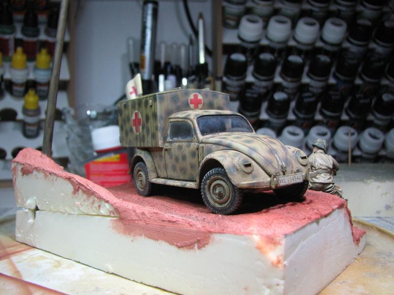 Coccinelle ambulance CMK  , figurines et photodécoupe  - 1/35 - Page 2 Img_5146