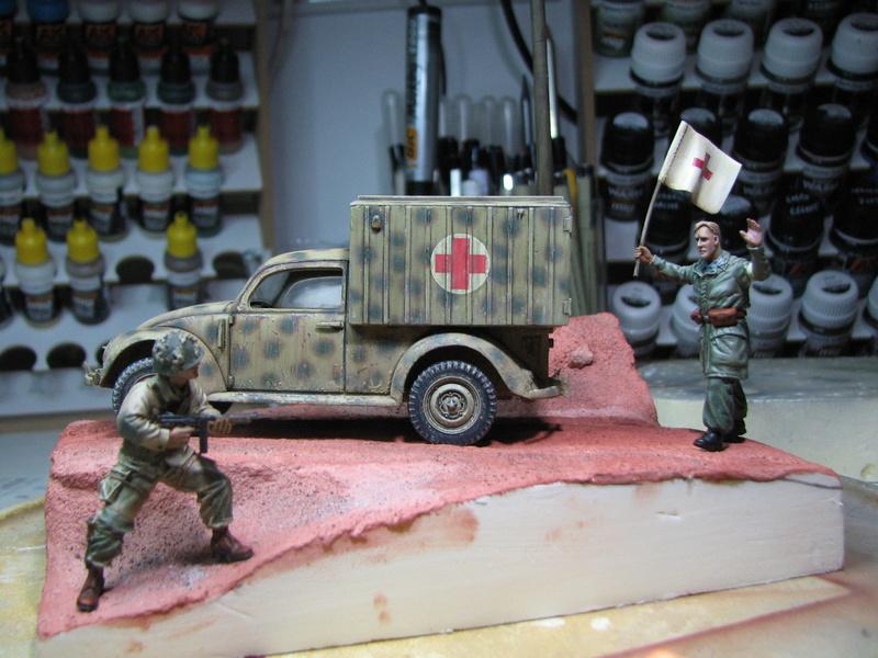 Coccinelle ambulance CMK  , figurines et photodécoupe  - 1/35 - Page 2 Img_5148