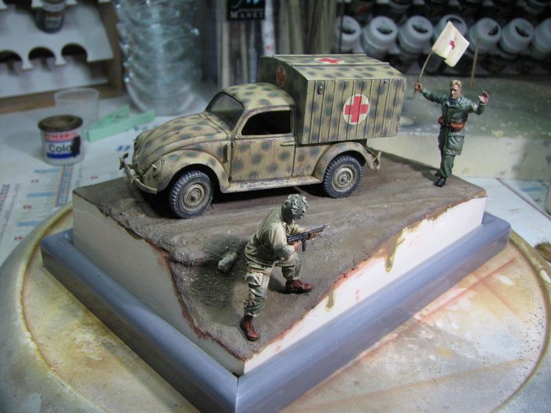 Coccinelle ambulance CMK  , figurines et photodécoupe  - 1/35 - Page 2 Img_5162