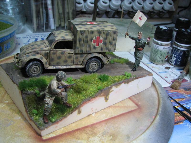Coccinelle ambulance CMK  , figurines et photodécoupe  - 1/35 - Page 2 Img_5171