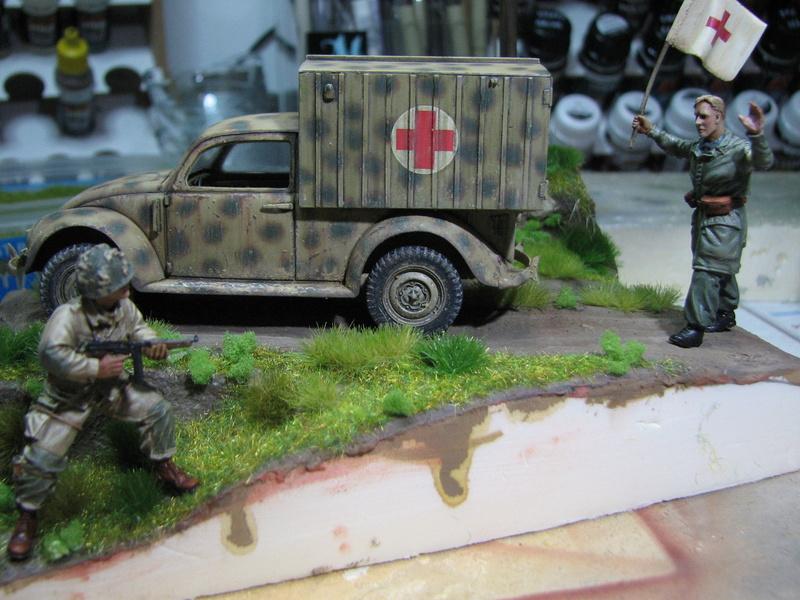 Coccinelle ambulance CMK  , figurines et photodécoupe  - 1/35 - Page 2 Img_5172