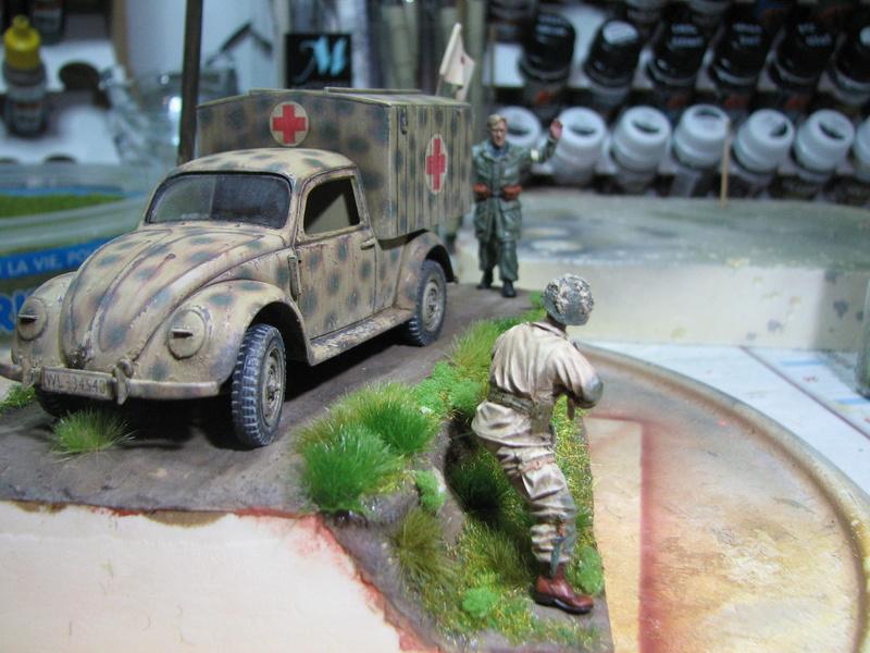 Coccinelle ambulance CMK  , figurines et photodécoupe  - 1/35 - Page 2 Img_5173