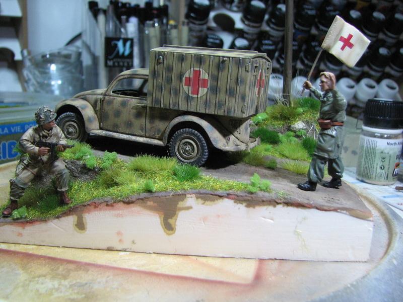 Coccinelle ambulance CMK  , figurines et photodécoupe  - 1/35 - Page 2 Img_5174