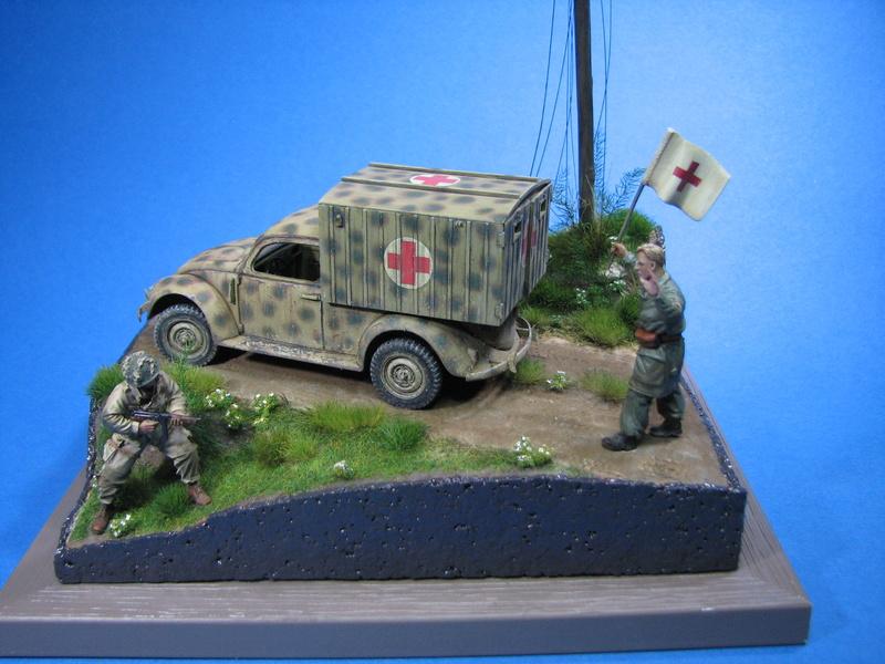 Coccinelle ambulance CMK  , figurines et photodécoupe  - 1/35 - Page 2 Img_5189