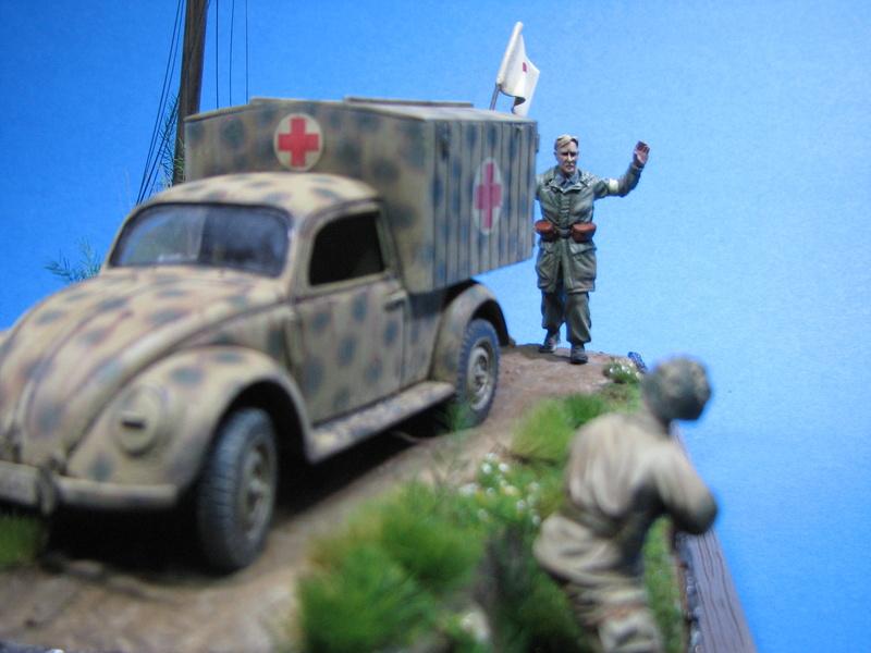 Coccinelle ambulance CMK  , figurines et photodécoupe  - 1/35 - Page 2 Img_5190
