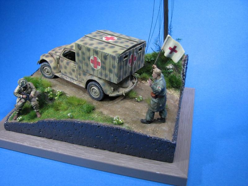 Coccinelle ambulance CMK  , figurines et photodécoupe  - 1/35 - Page 2 Img_5191