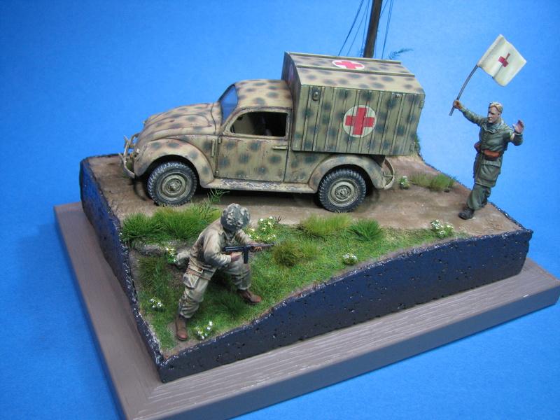 Coccinelle ambulance CMK  , figurines et photodécoupe  - 1/35 - Page 2 Img_5192