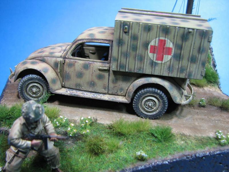 Coccinelle ambulance CMK  , figurines et photodécoupe  - 1/35 - Page 2 Img_5219