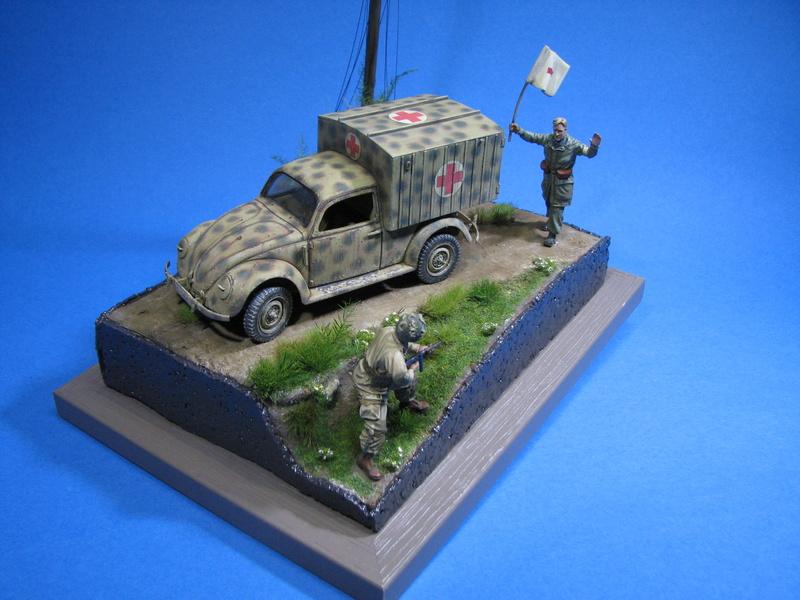 Coccinelle ambulance CMK  , figurines et photodécoupe  - 1/35 - Page 2 Img_5220