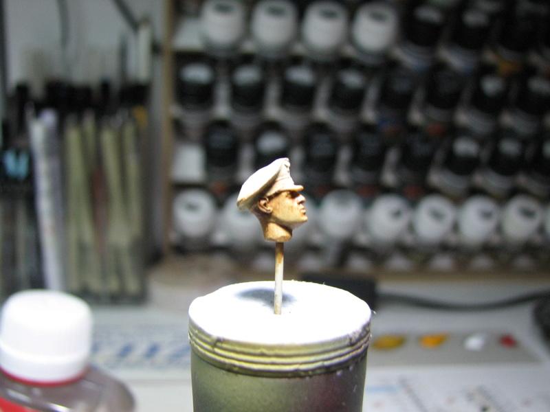 king tiger tamiya + chenilles fruill + photdecoupe eduard + figurine royal model Img_5239