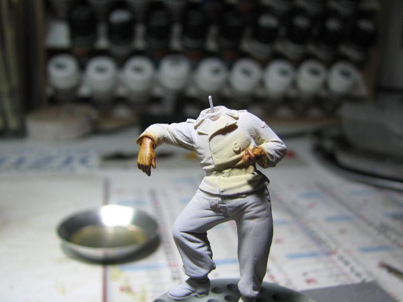 king tiger tamiya + chenilles fruill + photdecoupe eduard + figurine royal model Img_5240