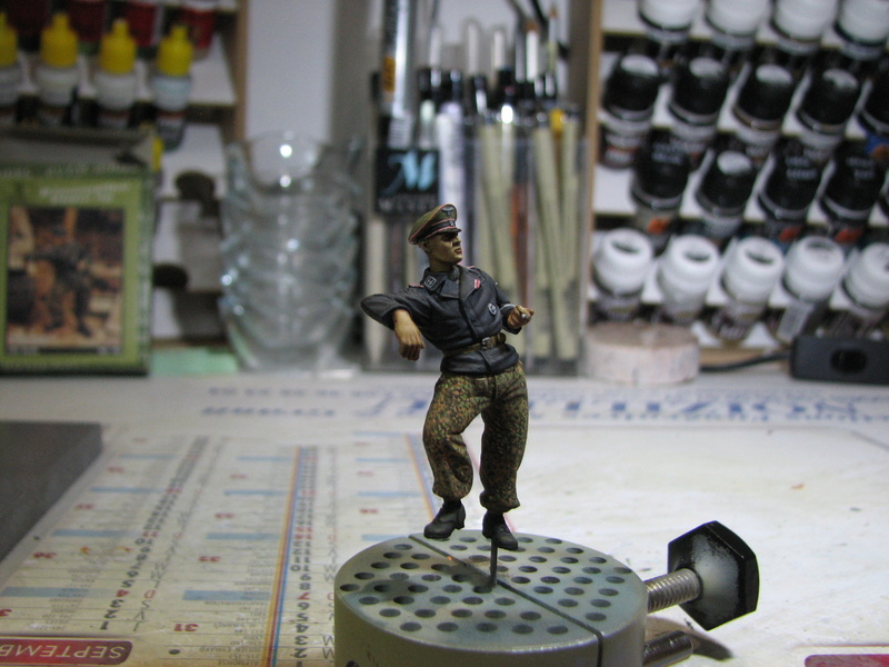 "King Tiger Tamiya + chenilles Friul + photodécoupe Eduard + figurine Royal Model - 1/35 "" debut de montage 24.03.2016"" - Page 6 Img_5339"