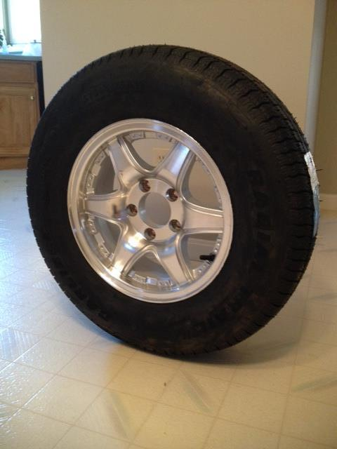 Set of Trailer Tire and Rim Tires_10