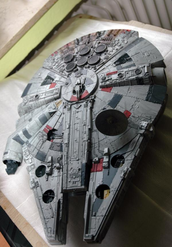 AMT Millenium Falcon Cut-Away Fa110