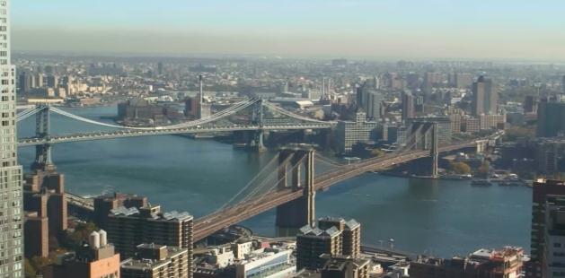 USA. New York City. Brooklyn Bridge. Ae-yae10