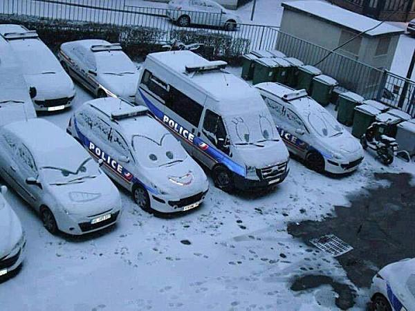 Du bric et du brac - Page 2 Police10
