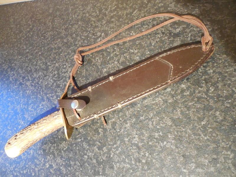 Dague étui cuir et lacet de cuisse Dscn1831