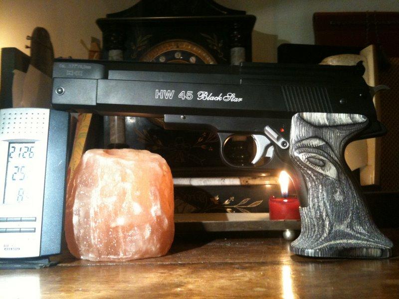"""HW45 Blackstar reçu, 2 photos et une question """"petit bruit louche"""" à un connaisseur Hw45_011"""