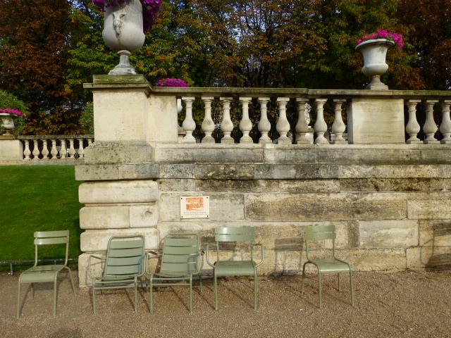 Choses vues dans le jardin du Luxembourg, à Paris P1000314