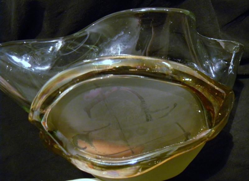 SIGNATURE HELP? Abstract Modernist Art Glass Bowl Modabb17