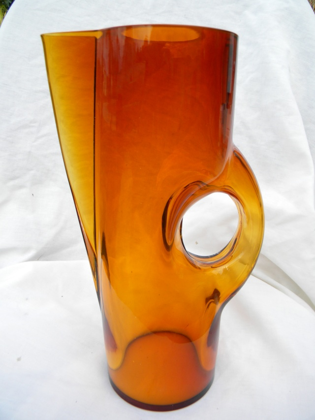 Mod Amber Bird? Pitcher HELP... Danish? Scan.? New Old or Junk??? Modamb11