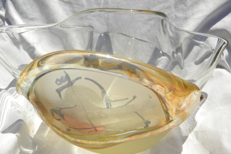 SIGNATURE HELP? Abstract Modernist Art Glass Bowl Modart13