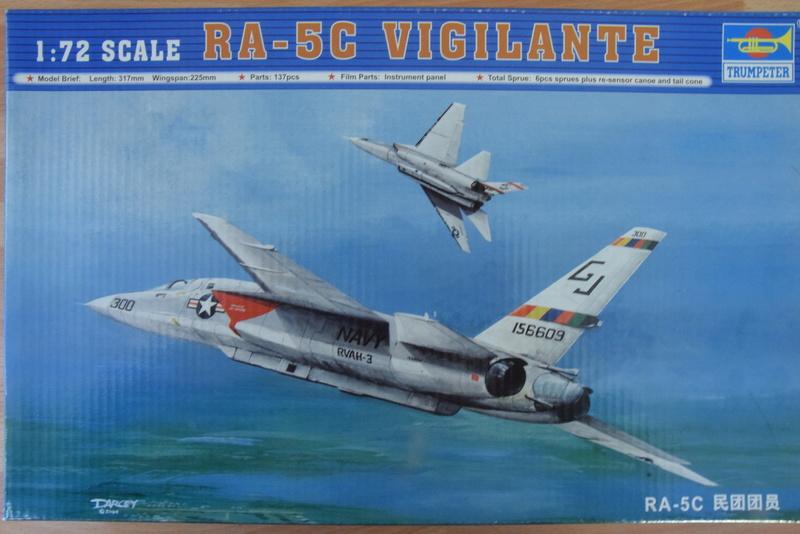 "Trumpeter - 1/72 - RA-5C ""Vigilante Dsc_0280"
