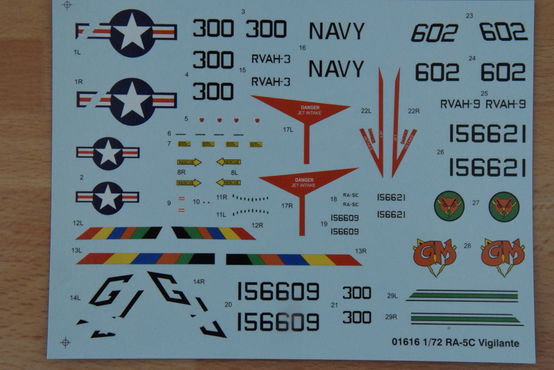 "Trumpeter - 1/72 - RA-5C ""Vigilante Dsc_0297"