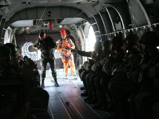 Stage et brevets avec Airborne Center à Pamiers  Saut_n13