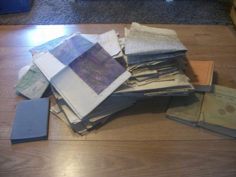 très gros lot documents appartenant à un Capitaine goumier. 100_4173