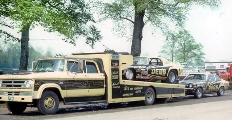 Pour les amateurs de Racing car haulers  111