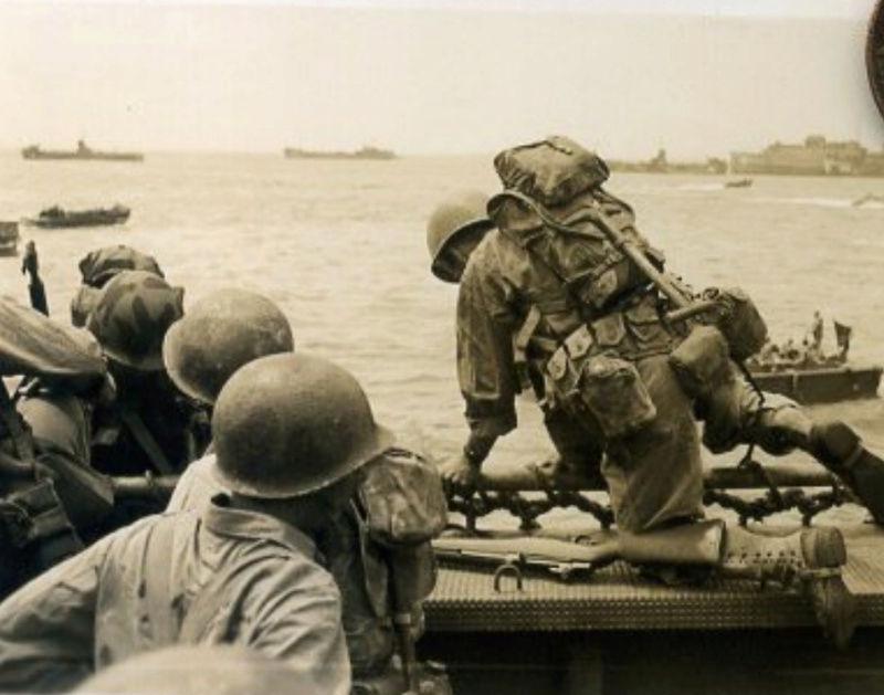 Les Images de la Seconde Guerre Mondiale - Page 17 Casque14