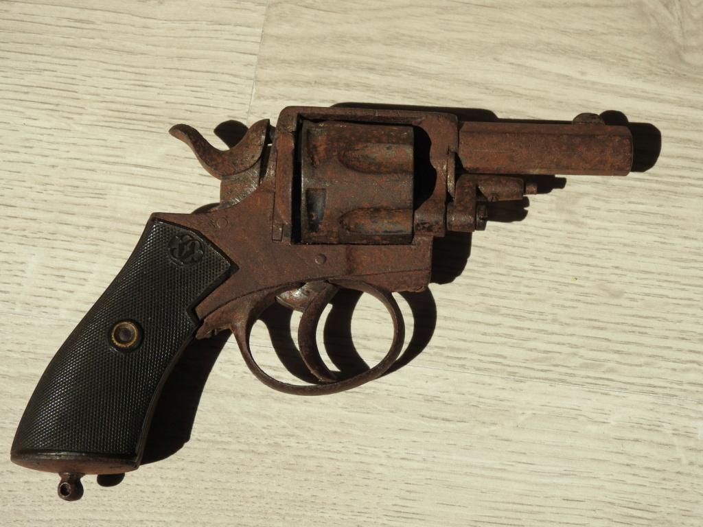 Identification d'un revolver Dscn4810