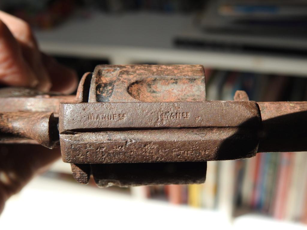 Identification d'un revolver Dscn4813