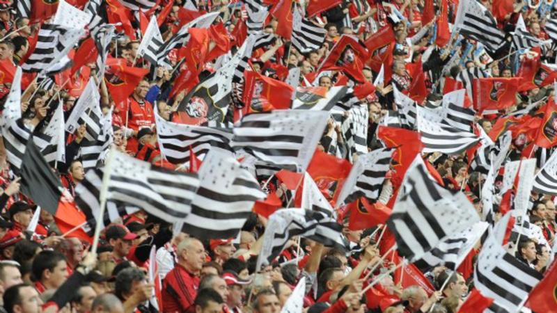 J4 : Auvergne-Rhône-Alpes contre Occitanie Stade-11