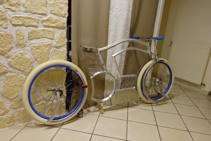 Vélos by léo : velos chopper motorisés - Page 34 Dsc06910