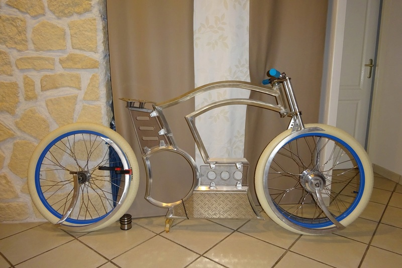 Vélos by léo : velos chopper motorisés - Page 34 Dsc06912