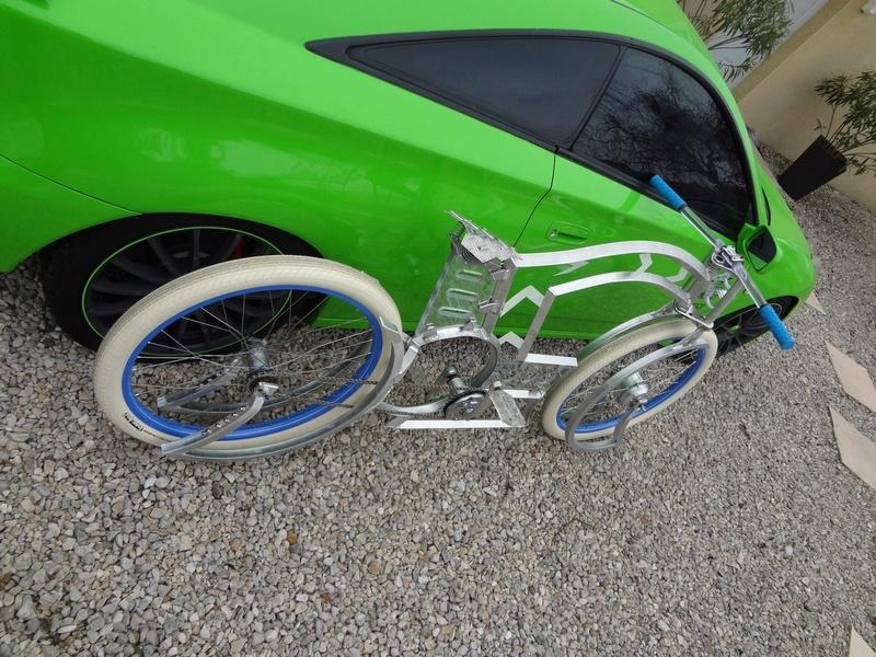 Vélos by léo : velos chopper motorisés - Page 34 Dsc07211