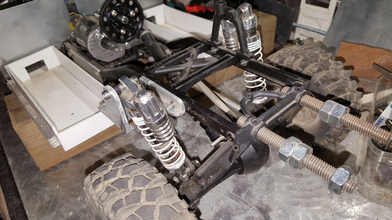 AXIAL SCX10 Hummer H1 Full styrene devient Full Zinc - Page 3 20170225