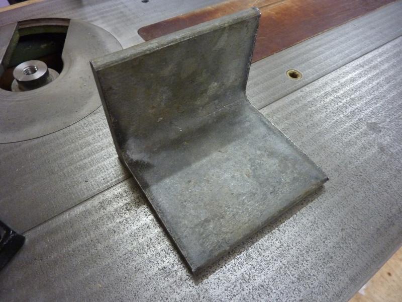 Fabrication d'une platine avec coulisses et vis-mère pour établi ! P1010635