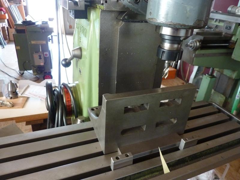 Fabrication d'une platine avec coulisses et vis-mère pour établi ! P1010636